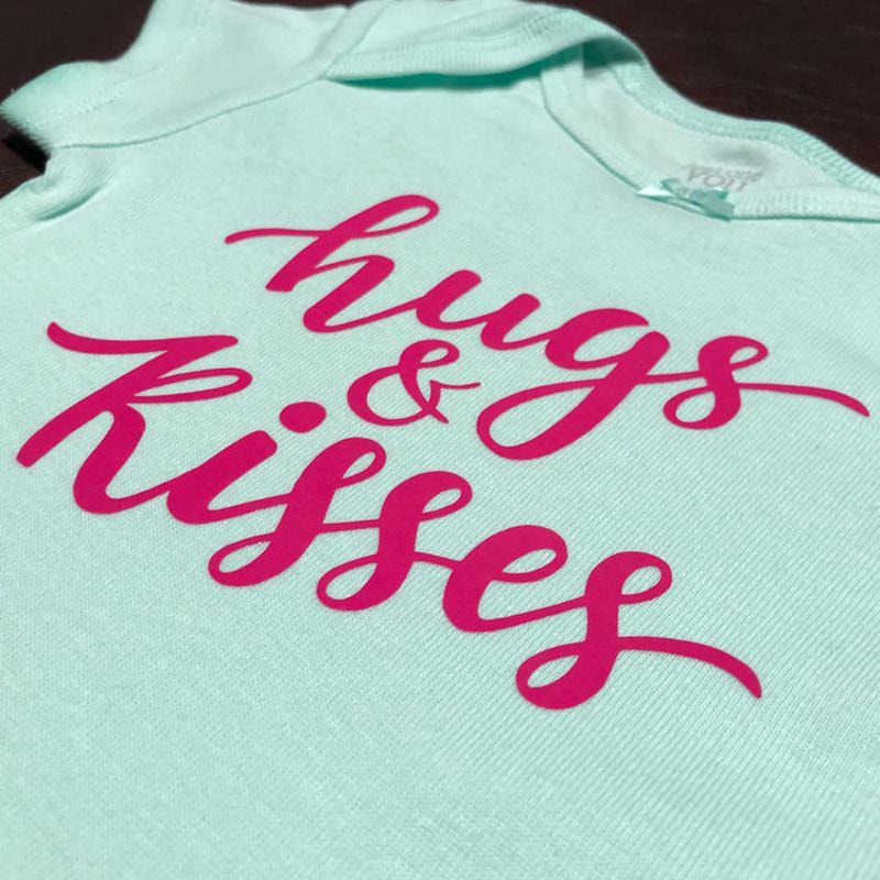 Hugs And Kisses 1379b